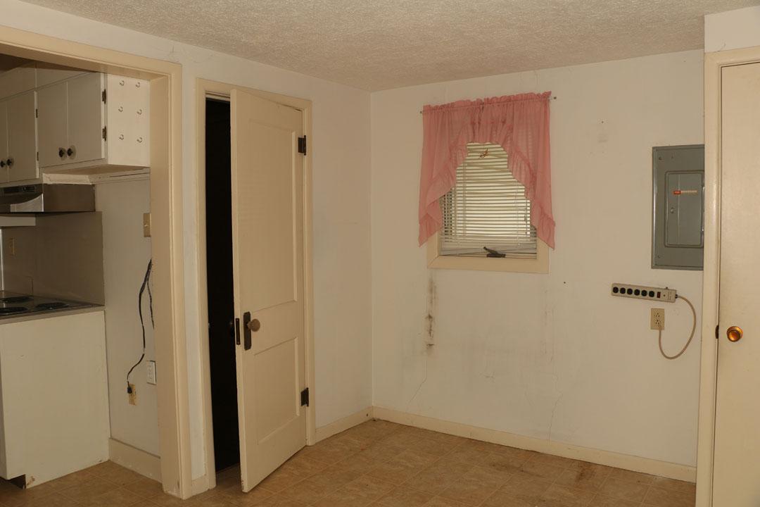 2037 S Main St Wichita Ks Mccurdy Auction Real Estate