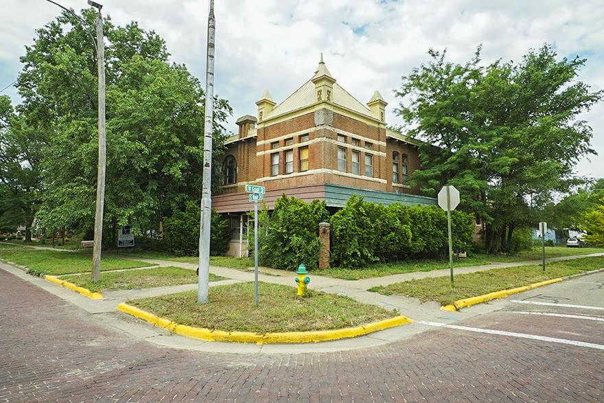 Auction - (Lindsborg) Historic Brunswick Hotel With 11,218 Sq. Ft. - LINDSBORG, KS