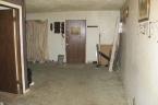 McCurdy Auction - (SE) NO MIN/NO RES - 3-BR, 1-BA Brick Home w/1-Car Garage