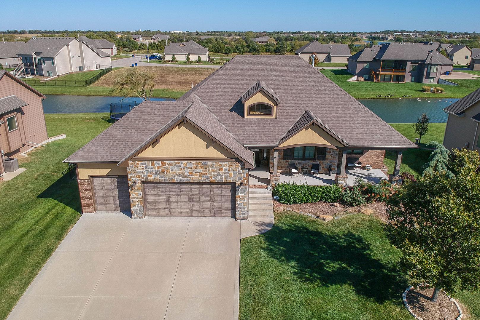 Auction - (Bel Aire) Premier | 5-br, 3-ba Luxury Home In Elk Creek - BEL AIRE, KS